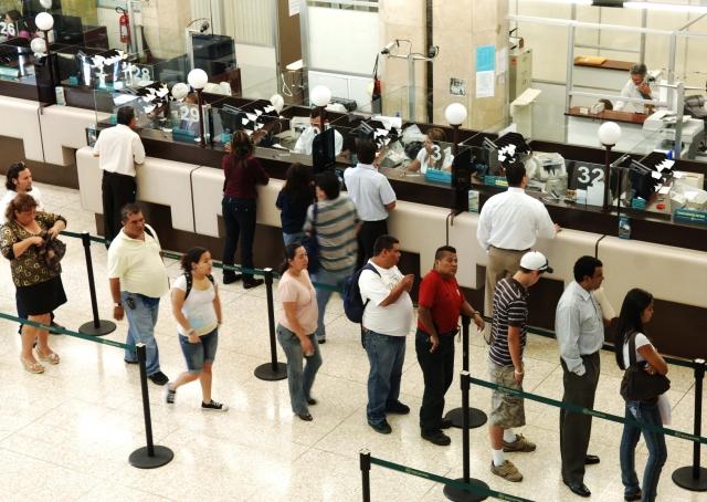 14-1-09, Informe anual financiero del Banco Nacional de Costa Rica, en la imagen sede central del BNCR area de cajas  FOTO: eddy rojas/La Nacion